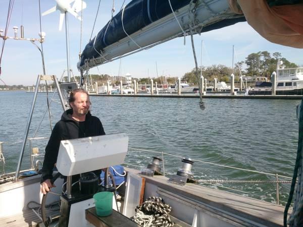Vorbeifahrt am Yachtclub Savannah
